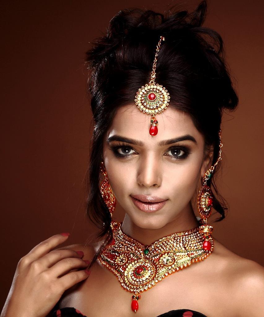Modern Indian Wedding Jewellery: Heavy Indian Designer Bridal Polki Necklace Set-Online