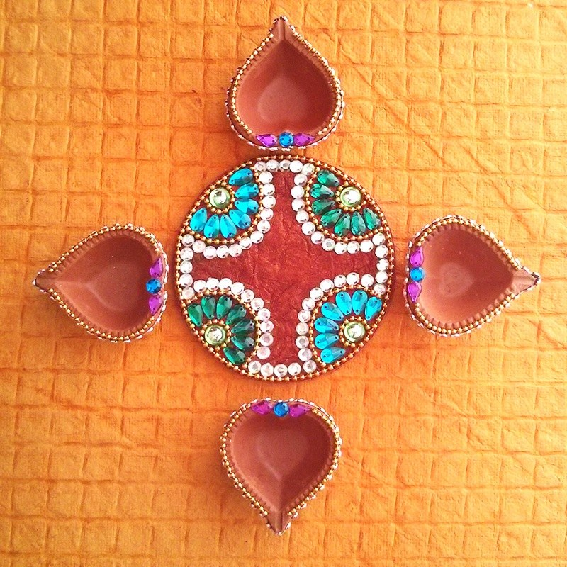 Round diya plate 4 diya online shopping for diyas and for Art and craft for diwali decoration