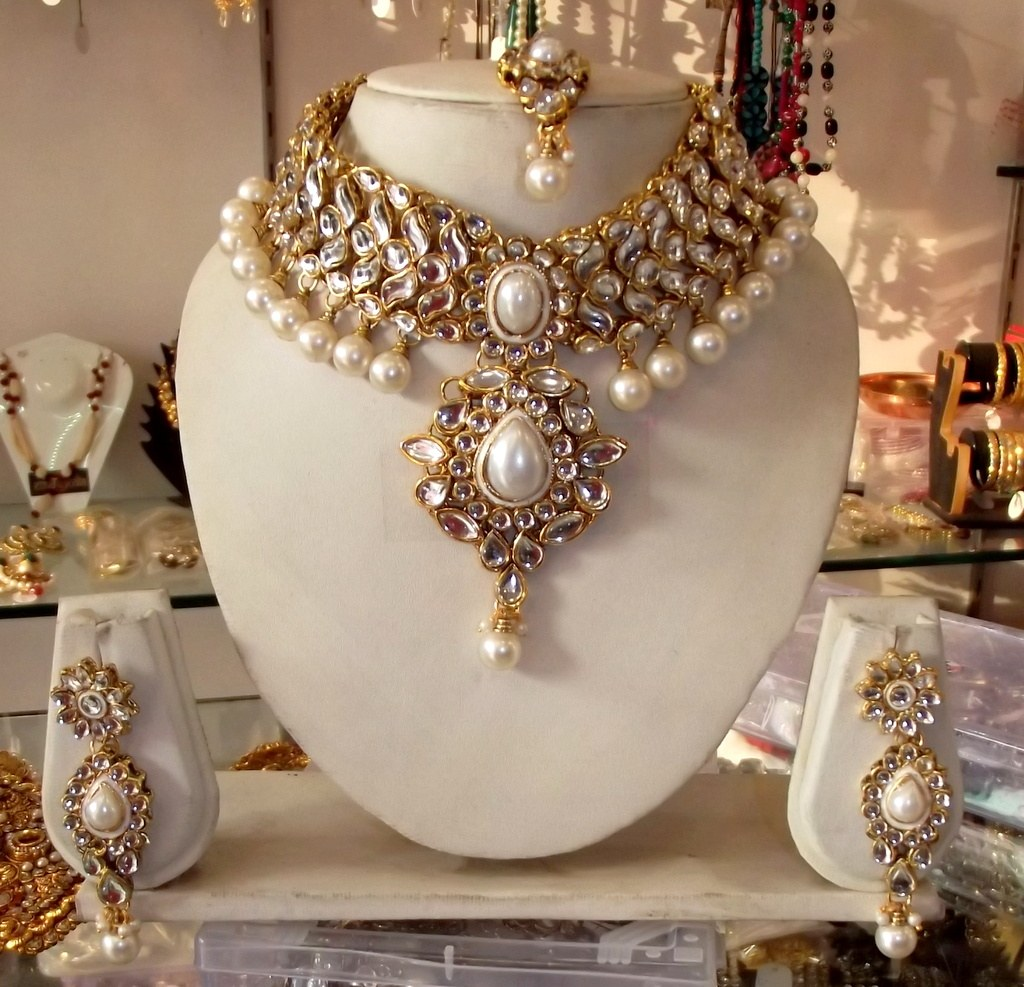 Jewellery India Online Shop Indian Gold Plated Necklace Sets: CHOKER KUNDAN PEARL Gold Plated NECKLACE EARRING TIKA