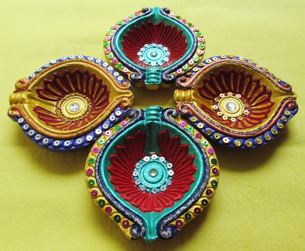 Hand Painted Designer Pattern Diyas Set Of 4 Online Shopping For Decoratives By Raunak