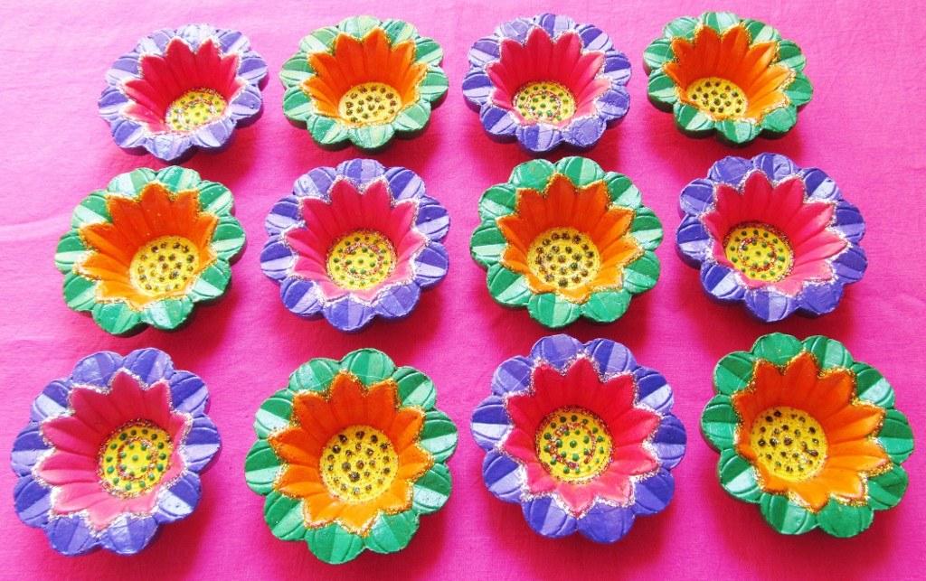 Rangoli diya decoration images for Art and craft diya decoration