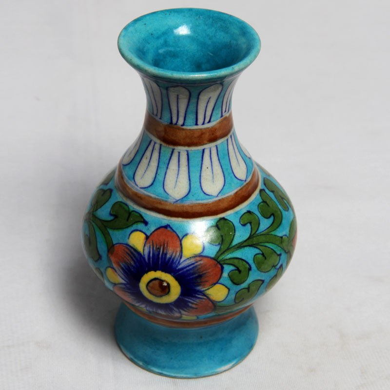 Knotty beauty pot online shopping for Clay pots designs