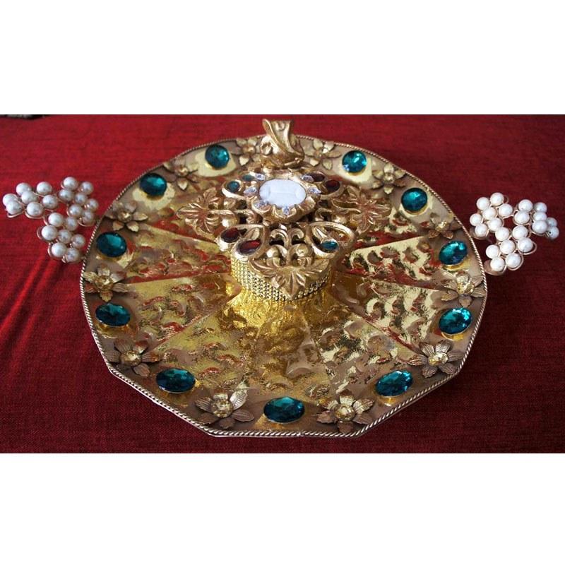 golden and green engagement ring platter shopping