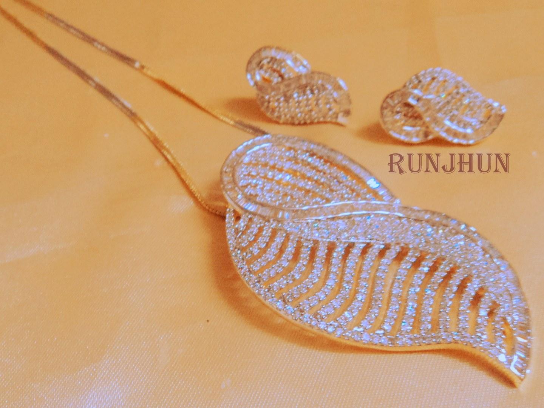 Tanishq gold jewellery earrings