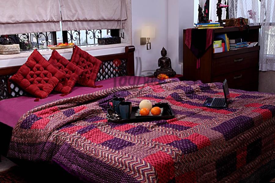 Jodhaa Fine Gold Khadi Motif Double Quilt Online Shopping