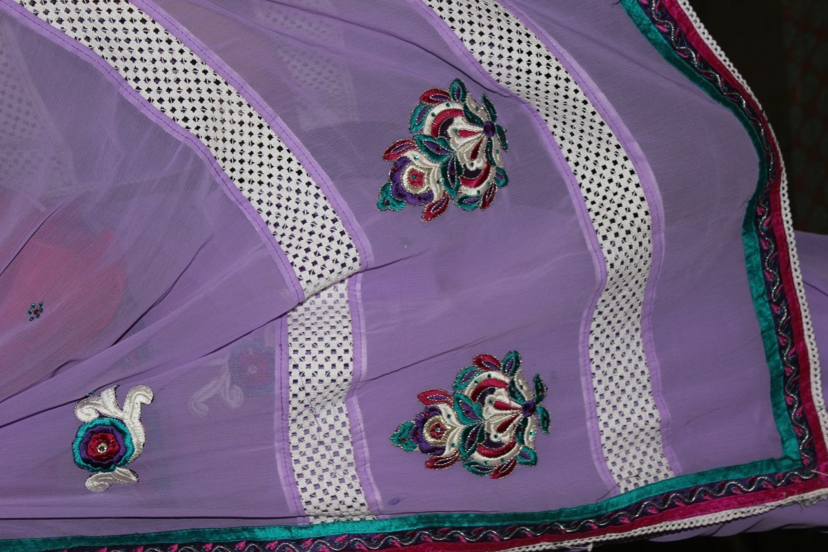 Crochet Lace Patterns For Sarees : Lavender rayon saree with crochet border-Online Shopping-
