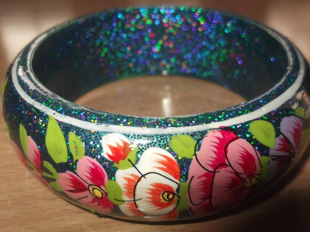 Paper mache crafts kashmir news for Craft using waste bangles
